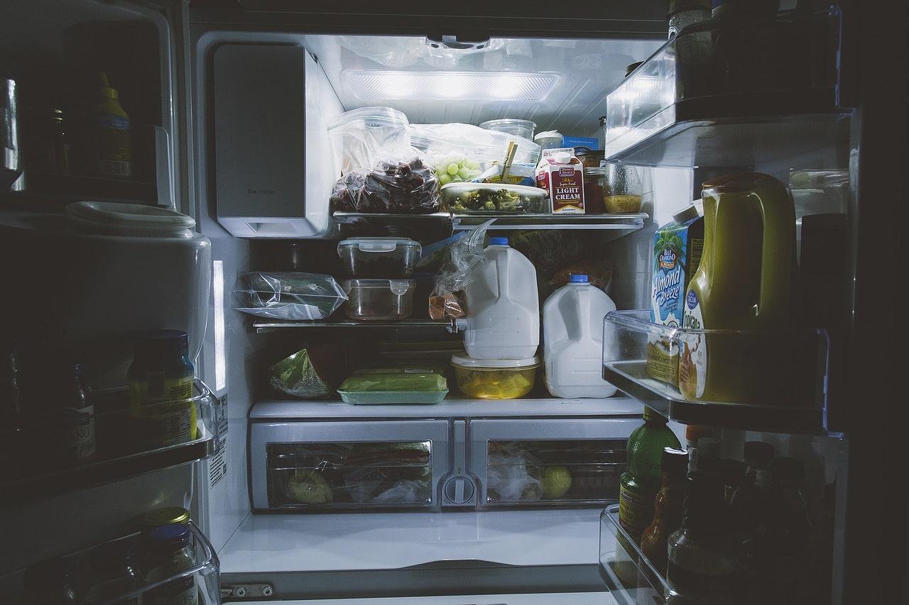二人暮らしの同棲に適している冷蔵庫の大きさ・容量とは?